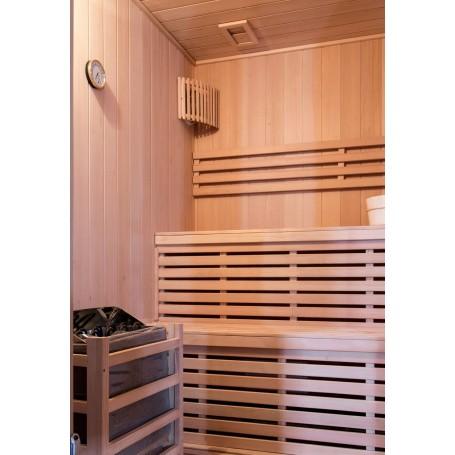 Bastu Traditionell   Vesta för 4 personer   Traditionell bastuför4 personer.Storlek:2000x1750 x2000 mmTräslag:HemlockVä