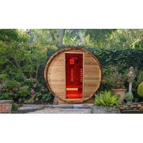 Bastutunna i Cederträ med infraröd värme är helt perfekt i trädgården